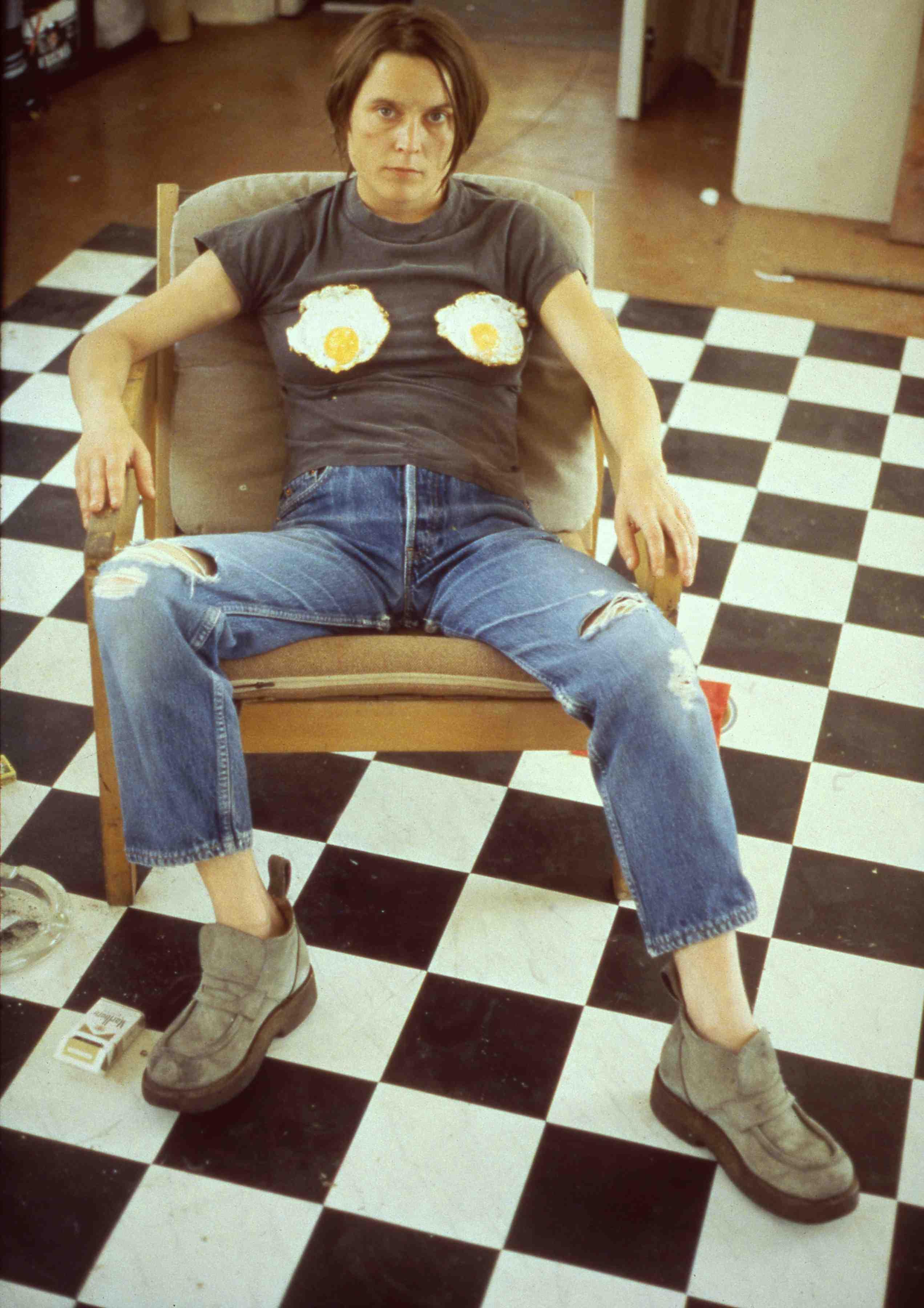 Självporträtt med stekt ägg, Sarah Lucas, 1996. Foto: Louisiana